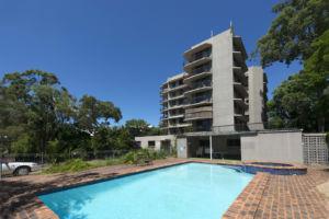 Kingsgate Apartments Pool area