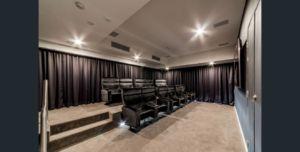Trafalgar Apartments- Private Cinema Room